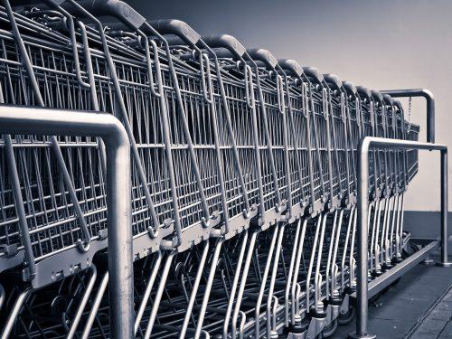 Einkaufswagen in der Reihe. Foto: © CC0