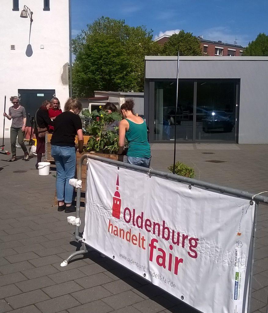 Infostandbild Oldenburg handelt fair. Foto: © C. Barski