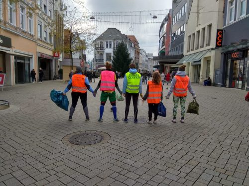 Plogging-Teilnehmer*innen. Foto: © sneep Oldenburg